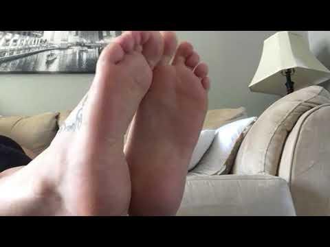 Quick foot humiliation thumbnail