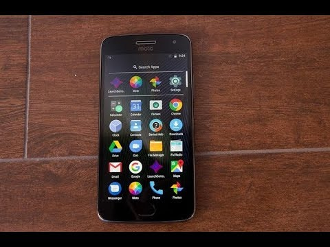 Moto G5 Smartphone Unboxing and Review