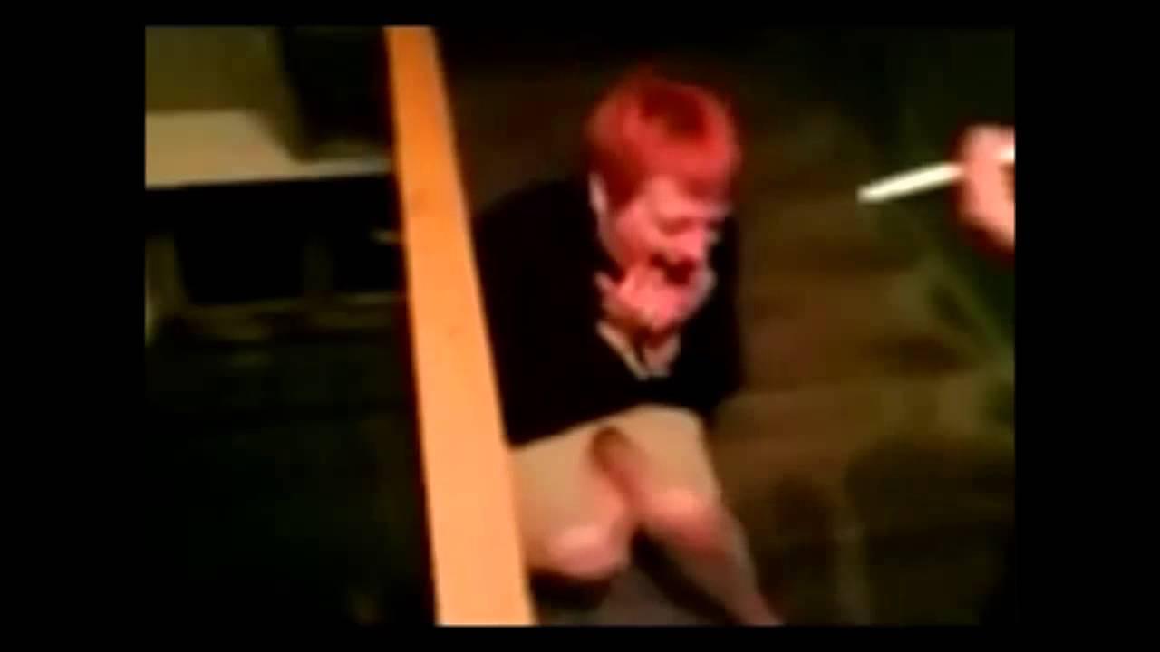 blondinki-telku-pod-butiratom-trahayut-video-krugu-ochkastuyu-devushki