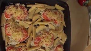 Куриные грудки с помидорами в духовке(Готовим вкусное и несложное блюдо.Для этого нам понадобится:куриные грудки(филе),помидоры,чеснок,майонез,п..., 2016-04-04T15:21:19.000Z)