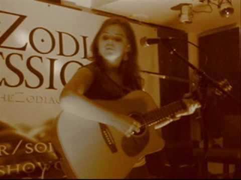 Sara Lou - Strangeness (Zodiac Sessions, Dublin)