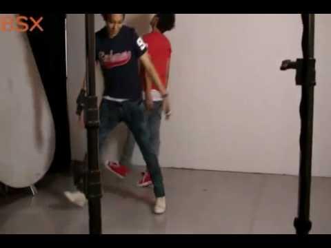 [23-06-2010] TOP và G-Dragon đùa giỡn và nhảy theo nhịp bài hát