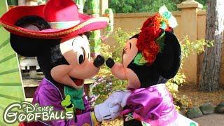 Mickey & Minnie Mexican Meet & Greet 🎃 - Halloween Disneyland Paris 2018