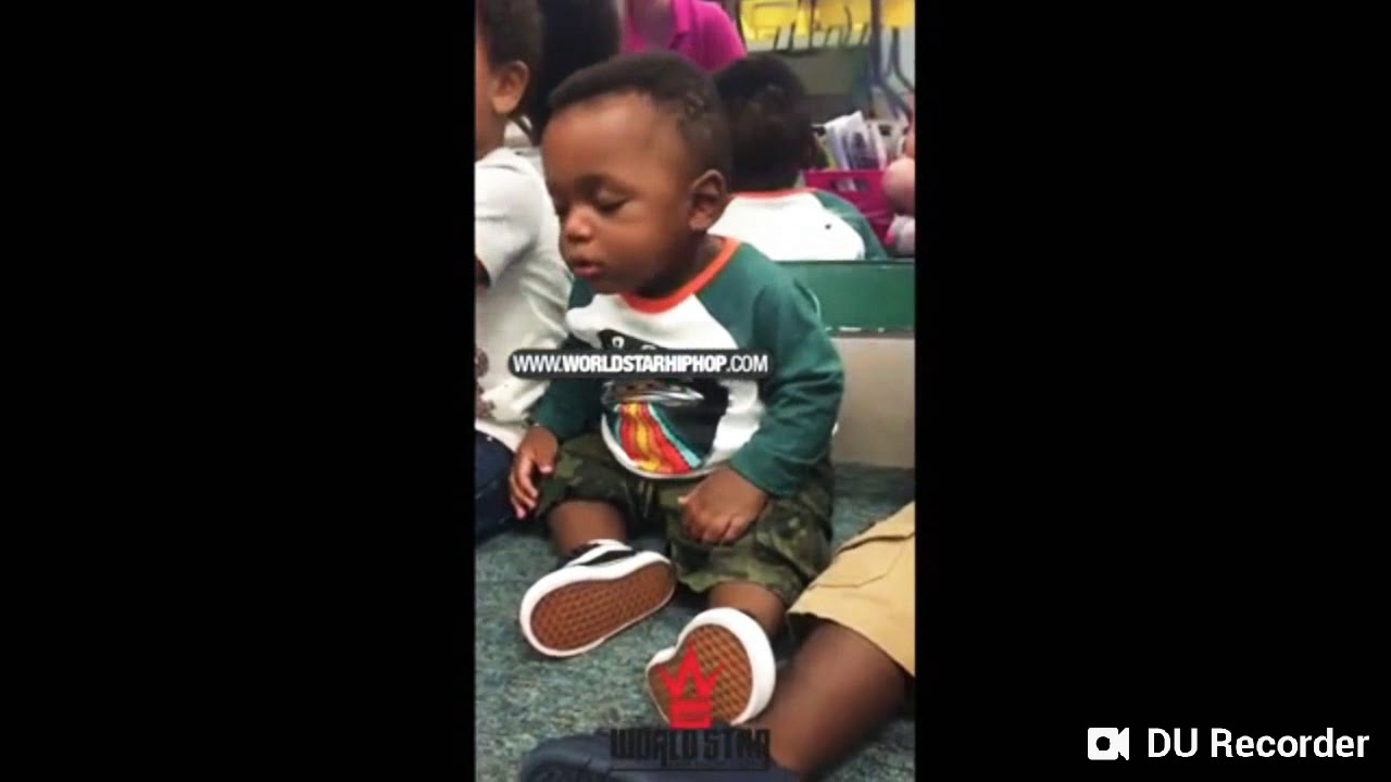 LOL: BABY FIGHTING AGAINST SLEEP❤