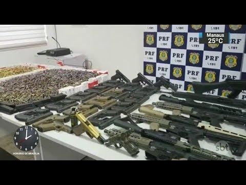 Polícia apreende 12 fuzis e outras 33 armas no Rio de Janeiro | SBT Notícias (27/02/18)