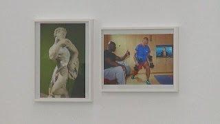 Juergen Teller expose ses selfies à Athènes - le mag