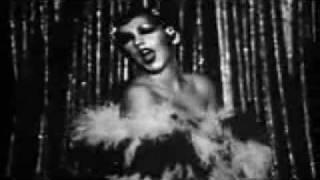 Christina Aguilera - I GOT TROUBLE (music video)
