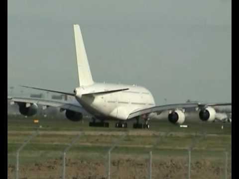 trafic aerien toulouse blagnac boeing 747 beluga airbus a380 youtube. Black Bedroom Furniture Sets. Home Design Ideas
