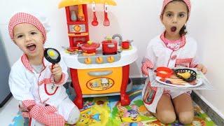 سوار وماسة يلعبوا لعبة المطعم | Sewar playing in Restaurant with Kitchen Toys and Pretend Princess