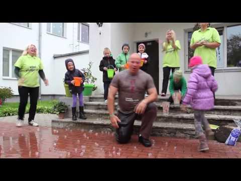 Raimonds Bergmanis pieņem Ice Challenge bucket