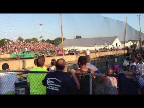 2013 eire county fair demolition derby full-size