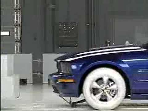 Crash test 2007 FORD MUSTANG