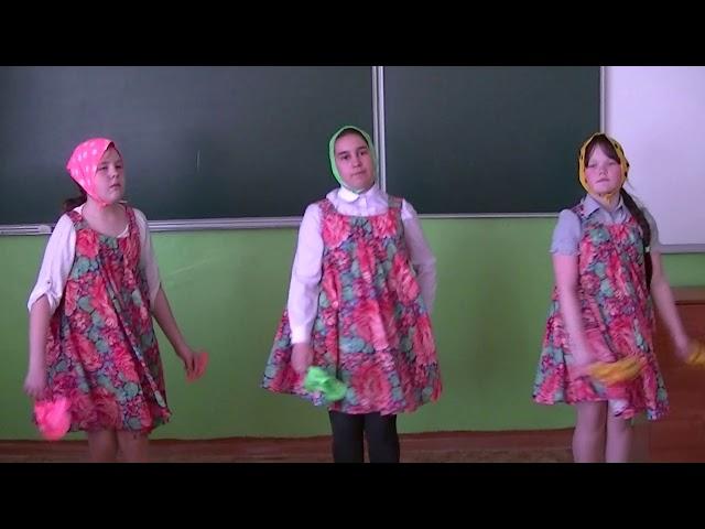 Изображение предпросмотра прочтения – «Селяночки» читают произведение «Русские народные частушки» (Русский фольклор )