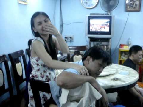 Tuyet Dung va cousins o Vietnam