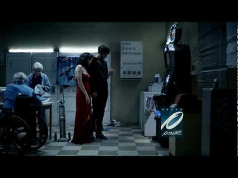 Katy Perry y Diego Luna Novios en The One That Got Away Video por GPM