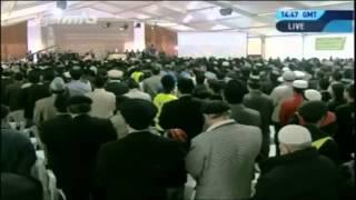 Eid junger Ahmadi Muslime unter Leitung des Khalifen