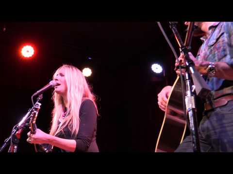 Holly Williams,