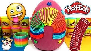 Huevo sorpresa gigante de Slinky o muelle loco de Plastilina Play doh en Español - con Eva y Lina