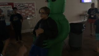 An Inflatable Alien Costume (Vlog Day 484-489)