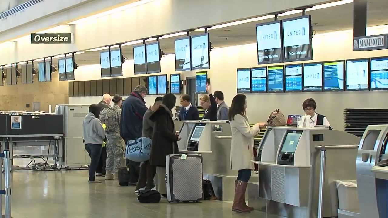 Easy Ticketing Amp Check In At John Wayne Airport With Self