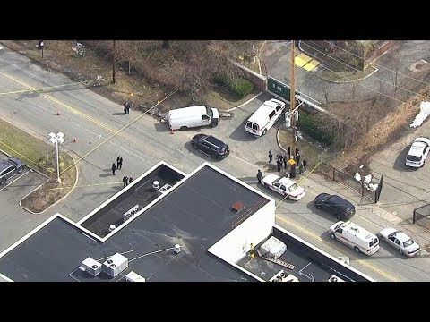 Police: Man fatally shot by officer after Great Neck road rage rampage