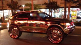 High Rider Low Rider Cars with Crazy Rims Wheels - South Beach Miami