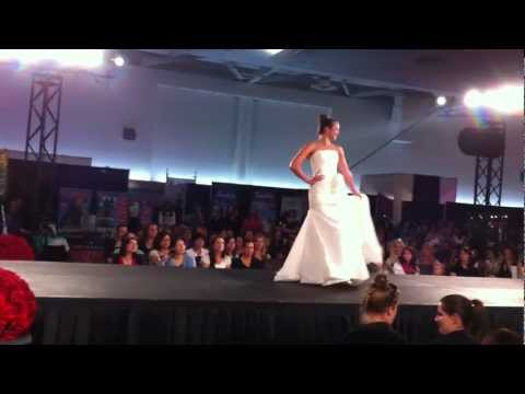 Grand Wedding Show 2012: White Tail Bridal Gown