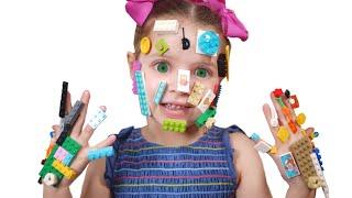 Pretend play LEGO HANDS -يد ليغو -!!!ليغو تعلق في وجه