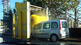 TINY TURKISH CAR WASH - Istanbul