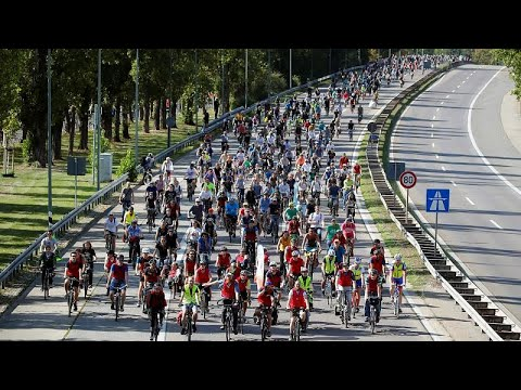 شاهد: سباقٌ بالدراجات ومظاهراتٌ في فرانكفورت تدعو لإجراءات أكثر نجاعة حمايةً للبيئة…  - نشر قبل 2 ساعة