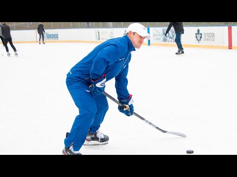 Teaching how to shoot with your arms to youngsters | iTrain Hockey
