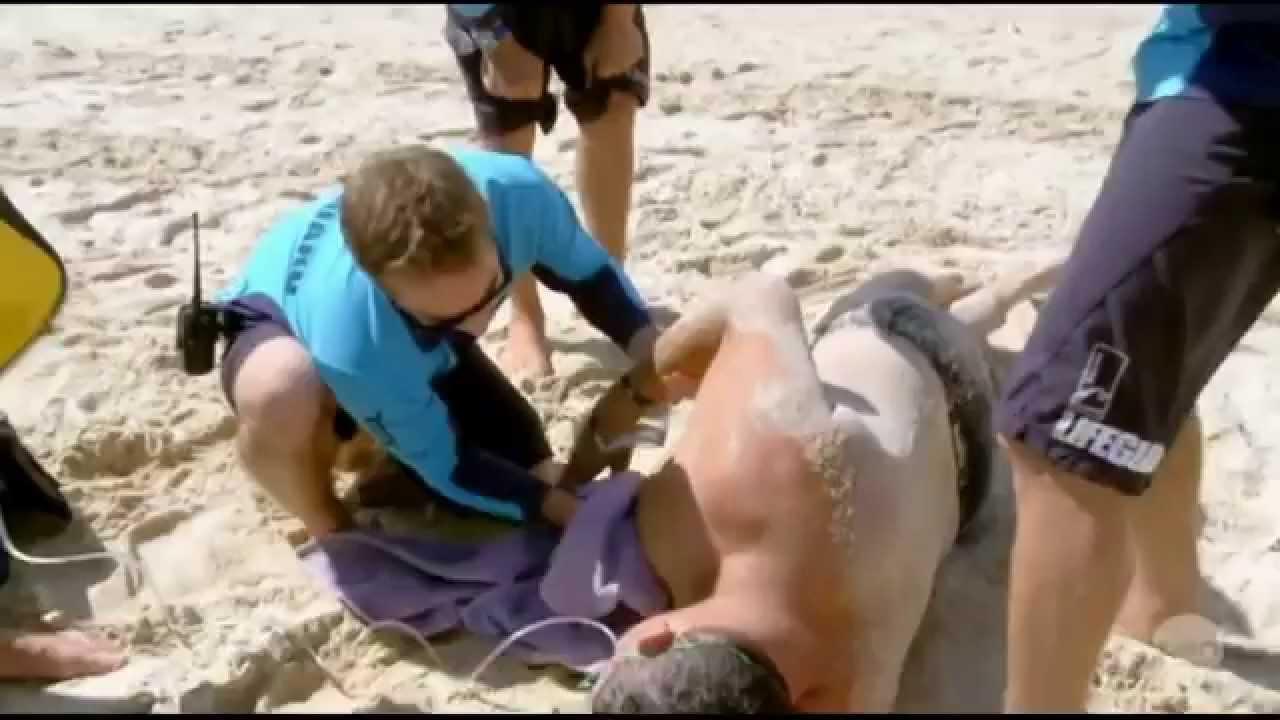 Heart Attack Cardiac Arrest Cpr Bondi Rescue Season 9 Episode 9 Part 1 Youtube
