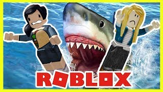 SELENA GOMEZ & TAYLOR SWIFT GET ATTACKED BY A SHARK! | Roblox