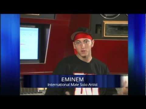 Eminem wins International Male presented by Natalie Imbruglia | 2003