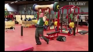 Những tai nạn hài hước trong phòng tập Gym - 1Thich.Com