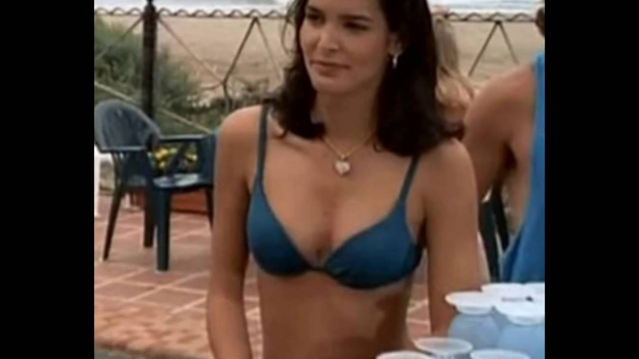 Angie Harmon Hidden Camera Beach Bikini Fail - YouTube