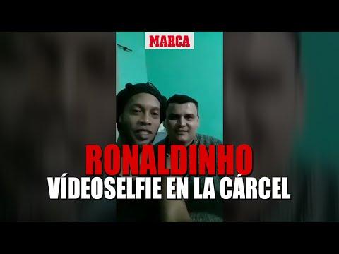 Na cadeia, Ronaldinho grava vídeo para família de detento