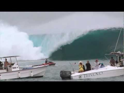 SURFER - An Era-Defining Day at Cloudbreak