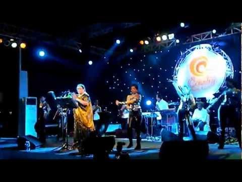 Usha Uthup live in Abu Dhabi - Darling (7 Khoon Maaf)
