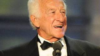Bob Uecker speaks at the WWE Hall of Fame 2010 induction
