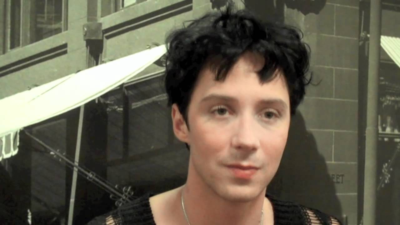 Johnny weir on skating, and falling, on spinning out