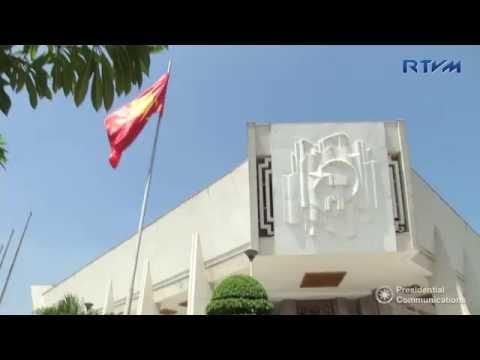 Ho Chi Minh Museum and One Pillar Pagoda 9/27/2016