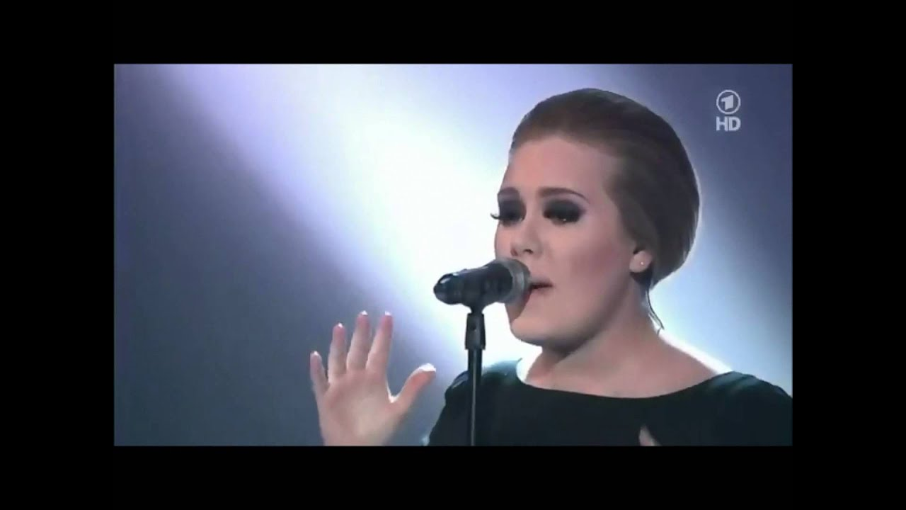 Adele's Best Live Performance Of Rolling In The Deep Youtube