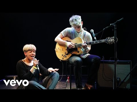 Mura Masa - Controlla (Drake cover in the Live Lounge)