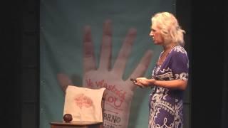 Podnikám hlavou a srdcem | Lenka Papadakisová | TEDxBrno