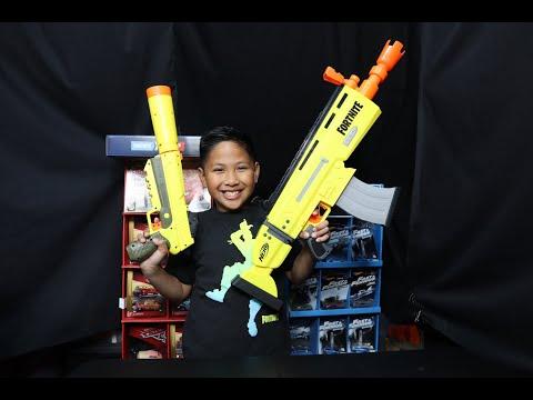 Fortnite Assault Rifle Style Toy Gun - Nerf AR-L Blaster - Battle Royale X Nerf War
