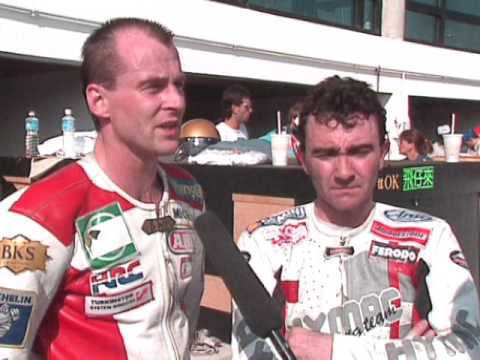 Steve Hislop vs Robert Dunlop - Macau GP - TT Legends