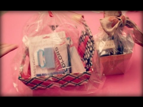Do it yourself beauty holiday gift baskets using beauty products do it yourself beauty holiday gift baskets using beauty products from dollar tree youtube solutioingenieria Choice Image