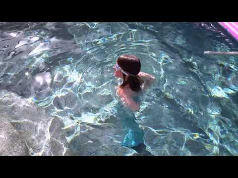 jeanne's-first-swim-with-her-new-mermaid-tail