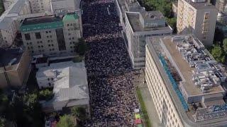İşte Rusya'da Kılınan Bayram Namazı Görüntüleri